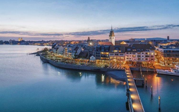 Friedrichshafen am Abend