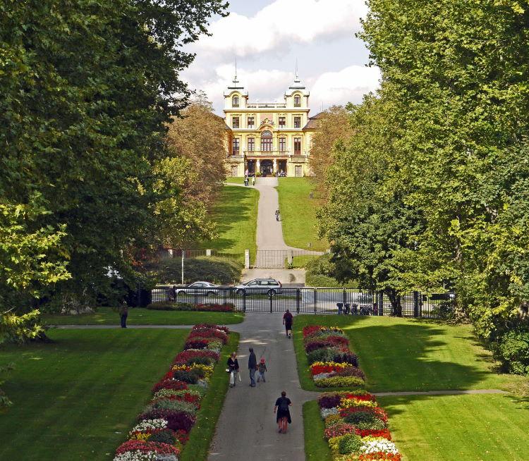 Blick vom Favorite Park aus in Richtung Schloss