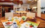 Halbpensionsrestaurant mit Frühstücksbuffet