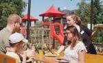 Kinderspielplatz und Biergarten